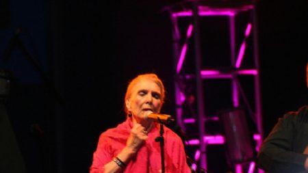"""Con esta edad lamentablemente fallece María Dolores Pradera, """"la gran señora"""" de la canción"""
