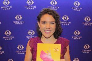 Shen Yun promueve valores a través de la danza, expresa actriz y productora de radio mexicana