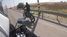 Policía israelí persigue a sospechoso que vuelca su moto durante la fuga