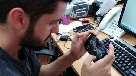 Dispositivos electrónicos provocarán dolor de cuello a 50 % de mexicanos