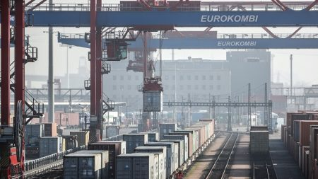 El déficit comercial de EEUU baja en abril un 2,1 % a 46.200 millones dólares
