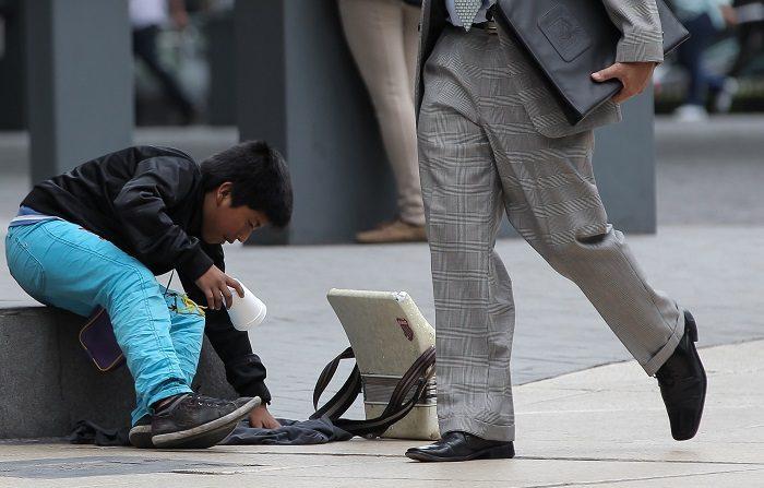 Unos 3,2 millones de niños y adolescentes trabajan en México para escapar de la pobreza, lo que representa el 11 % de la población de 5 a 17 años, informó hoy el Instituto Nacional de Estadística y Geografía (Inegi). EFE/Archivo