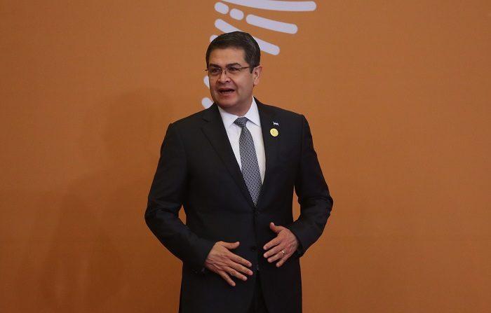 El secretario de Estado de EE.UU., Mike Pompeo, urgió hoy al presidente hondureño, Juan Orlando Hernández, a llevar ante la Justicia a las fuerzas de seguridad responsables de abusos durante la crisis postelectoral de 2017, en la que murieron una treintena de personas. EFE/ARCHIVO