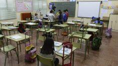 Padres se quejan de tener que comprar útiles escolares, la respuesta del profesor agita las redes