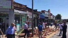 Colapsa el techo y fachada de ladrillos de un edificio en Londres, Reino Unido