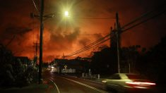 Lava en Hawái destruye cientos de casas durante la noche del lunes