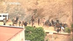 Masivo asalto de inmigrantes en la frontera de Ceuta