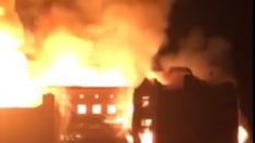 Incendio consume histórica Escuela de Arte de Glasgow
