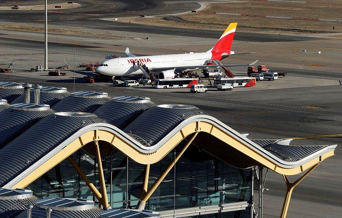 La aplicación del descuento del 75 por ciento al transporte aéreo y marítimo de residentes en territorios no peninsulares -Canarias, Baleares, Ceuta y Melilla- entra en vigor a las 9 de esta mañana, hora peninsular. EFE/Archivo