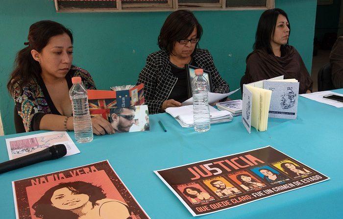 El asesinato de cinco personas, entre ellos la activista Nadia Vera y el fotoperiodista Rubén Espinosa, en julio de 2015, sigue impune con un proceso lleno de irregularidades, denunció hoy el Centro Derechos Humanos Fray Bartolomé de Las Casas de México. EFE