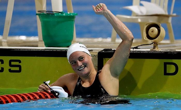 México se baña en oro en la natación de los Centroamericanos con cuatro oros de siete en disputa. La nadadora mexicana Mónika González Hermosillo fue fotografiada este martes luego de ganar el oro en la prueba femenina de los 200 metros combinados de los XXIII Juegos Centroamericanos y del Caribe, en Barranquilla (Colombia). EFE