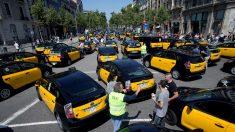 Los taxis se retiran y el tráfico vuelve a normalidad en gran parte Barcelona