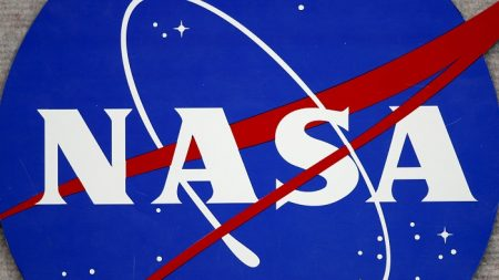 Con la NASA, EE.UU. cumple 60 años mirando al cielo con curiosidad y recelo
