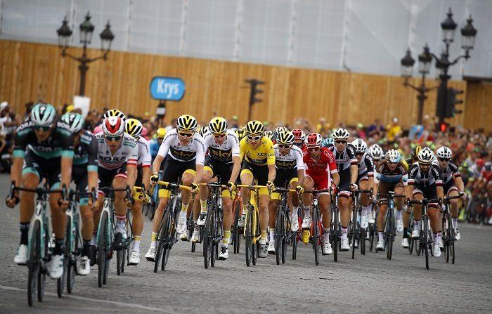 El británico Geraint Thomas (Sky) se proclamó vencedor de la 105 edición del Tour de Francia, una vez disputada la vigésimoprimera y última etapa entre Houilles y París, de 116 kilómetros, en la que se impuso el noruego campeón de Europa Alexander Kristoff (Emirates). EFE