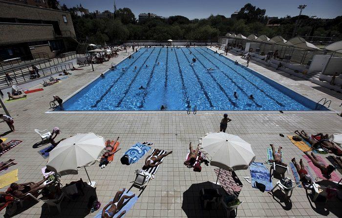 El número de personas ahogadas en espacios acuáticos públicos en España en lo que va de año, de enero a 31 de julio, alcanza las 184; la mayoría son españolas, hombres y superan los 65 años, según datos a los que ha tenido acceso Efe del próximo informe de la Real Federación Española de Salvamento y Socorrismo. EFE/Archivo
