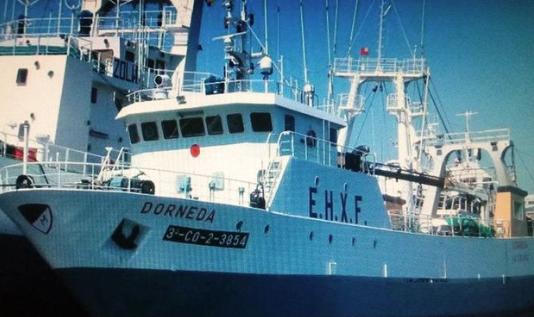 Naufraga barco español de pesca de arrastre frente a Argentina: un muerto y un desaparecido