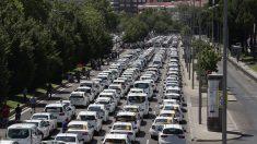 Taxistas españoles seguirán en huelga tras fracasar acuerdo con el Gobierno