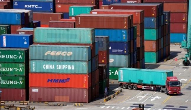 China impone impuestos al tiempo que arrancan los aranceles estadounidenses