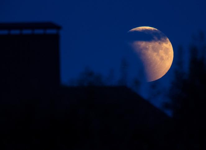 Luna de Sangre: ¿Por qué la Luna se torna roja o 'sangrienta'?