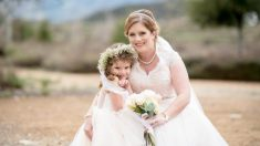 Dona su médula ósea a una pequeña con leucemia y la lleva a su boda como la niña de las flores