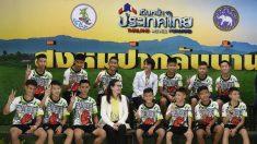 """""""Nos turnamos para cavar"""": niños tailandeses relatan sus penurias para sobrevivir"""