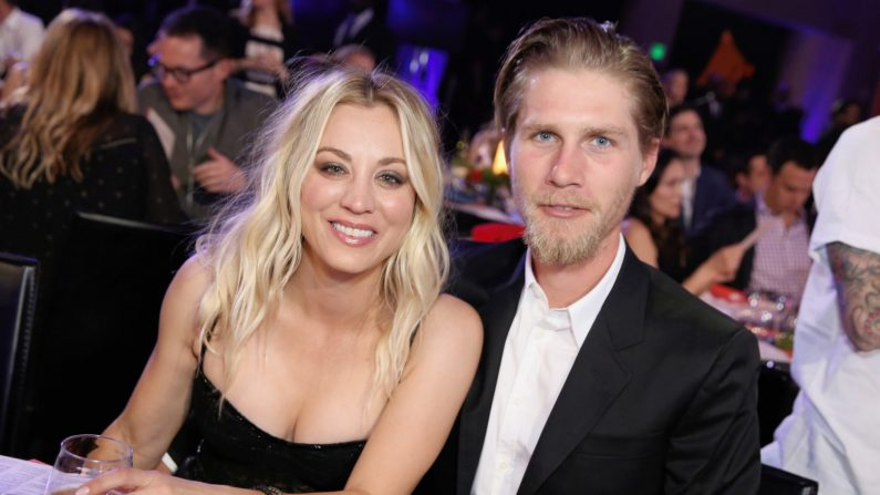 Kaley Cuoco and Karl Cook. (Foto de Rachel Murray/Getty Images for Netflix)