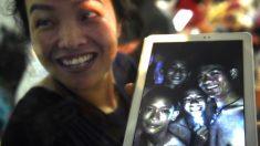 Como por milagro hallan vivos a los 12 niños perdidos en una cueva de Tailandia con su entrenador