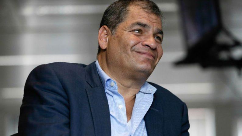 Esta foto tomada el 4 de julio de 2018 en Bruselas muestra al ex presidente ecuatoriano Rafael Correa durante una entrevista con la AFP. (Aris Oikonomou/AFP/Getty Images)