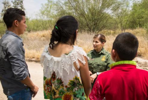 Reporte de menores inmigrantes ilegales revela alta incidencia criminal en EE. UU.