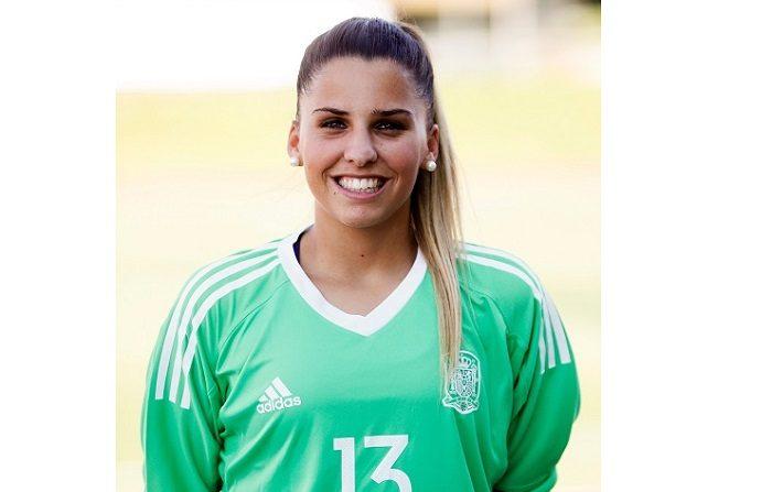 """Noelia Ramos: """"Las mujeres seguiremos dando que hablar"""" La tinerfeña Noelia Ramos, guardameta del Sevilla que fue campeona de Europa en categoría sub-17 en 2015 y, dos años más tarde, en 2017, se ciñó la corona como sub-19, se colgó también la medalla de bronce en el Mundial sub-17 de Jordania, donde asimismo recogió el Guante de Oro, como la mejor portera del torneo, afirma en una entrevista con Efe. EFE"""