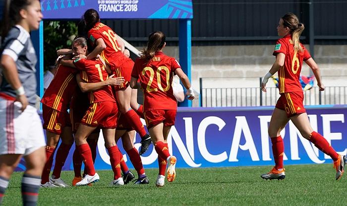 España arranca con una clara victoria ante Paraguay Fotografía facilitada por la RFEF de las jugadoras de la selección española femenina de fútbol sub-20 celebrando uno de los goles durante el partido del Mundial sub-20 femenino que España y Paraguay juegan hoy en el estadio Guy-Piriou de Concarneau, Francia. EFE/RFEF