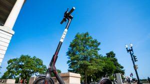 Los Ángeles quiere poner freno a los patinetes motorizados