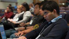 La joven comunidad latina de EE.UU. impulsa su poder digital y adquisitivo