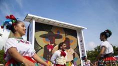 Indígenas wixaritari logran en México récord Guinness al mosaico más grande