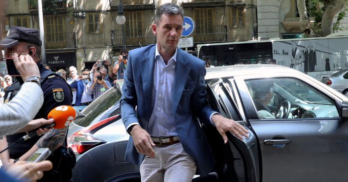 Iñaki Urdangarin a su llegada a la Audiencia de Palma para que el tribunal del caso Nóos le comunicara la orden de ingreso en prisión. EFE/Archivo