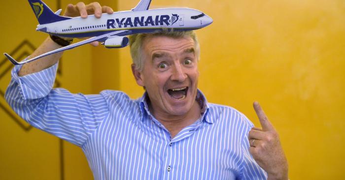 El CEO de la aerolínea irlandesa Ryanair, Michael O'Leary, posa durante una conferencia de prensa el 27 de junio de 2017 en Roma. (Foto de FILIPPO MONTEFORTE/AFP/Getty Images)