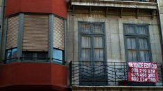 """España: venden piso con un anciano dentro """"hasta que se muera"""" y desata polémica en las redes"""