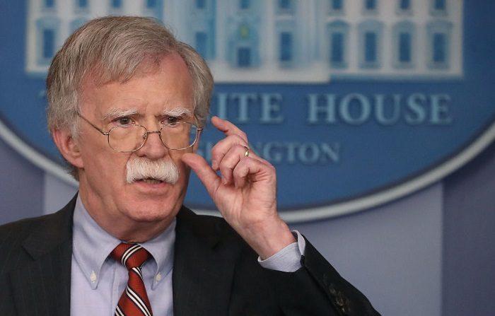 John Bolton, Asesor de Seguridad Nacional de la Casa Blanca negó hoy que Estados Unidos estuviera detrás del presunto ataque con drones que se produjo ayer sábado contra el mandatario venezolano, Nicolás Maduro, durante un desfile militar. (Foto de Mark Wilson/Getty Images)