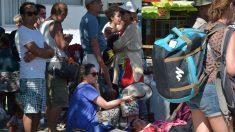 """""""Escenas inhumanas"""" relatan turistas bloqueados tras terremoto en Indonesia que dejó más de 142 muertos"""