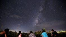 Se podrá ver la alineación de la Luna, Júpiter y Saturno en las próximas noches