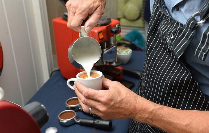 Bebida a base de café. Imagen de archivo. (Foto de Noam Galai/Getty Images para el Festival de Cine de Nantucket)