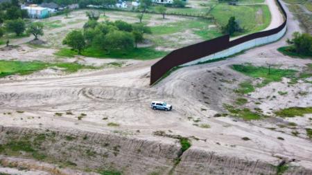 Congresista propone cobrar al país de origen de cada ilegal atrapado en la frontera para financiar el muro