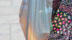 Ciudad mexicana prohíbe el uso de bolsas de plástico en locales comerciales