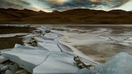 El asombroso lago Moriri Tso: Una belleza congelada, oculta en las faldas del Himalaya