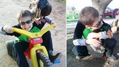 Este niño con TDAH tiene menos crisis después de jugar con su mascota poco habitual: un lindo pato