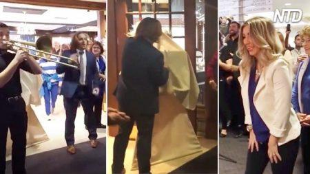 Pasó 9 meses planeando esta épica propuesta matrimonio de 9 minutos. ¡Mira la reacción de la novia!