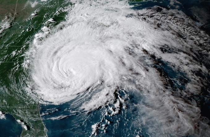Huracán Florencia el 14 de septiembre a las 21:42, degradado a tormenta tropical, (hora UTC. (GOES)