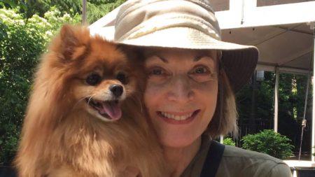 Esta actriz de Broadway adopta un perro de tres patas y le cambia la vida