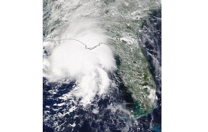 Muere un niño en Florida y miles de hogares sin energía tras el paso de Gordon Fotografía de satélite facilitada por la NASA que muestra la tormenta tropical Gordon a su llegada a Alabama y Missisipi en Estados Unidos el 4 de septiembre de 2018. EFE