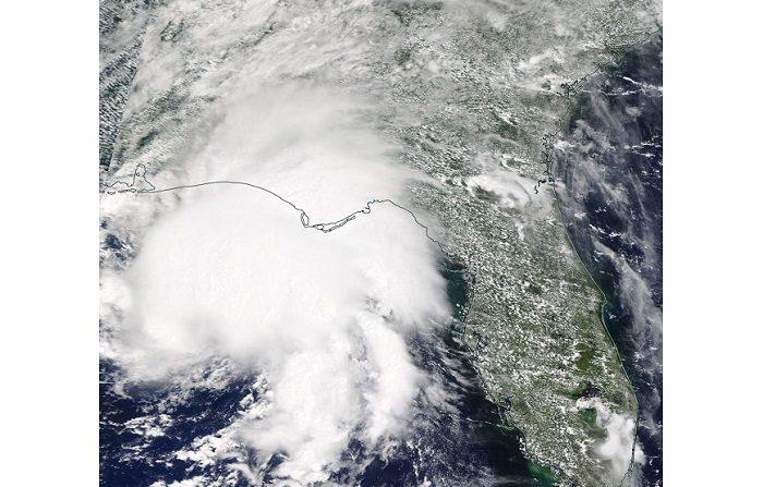 Fotografía de satélite facilitada por la NASA que muestra la tormenta tropical Gordon a su llegada a Alabama y Missisipi en Estados Unidos el 4 de septiembre de 2018. EFE